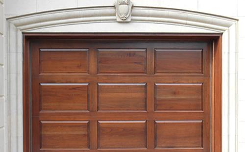 Porte de garage en bois menuiserie de l 39 estrie for Votre garage bois
